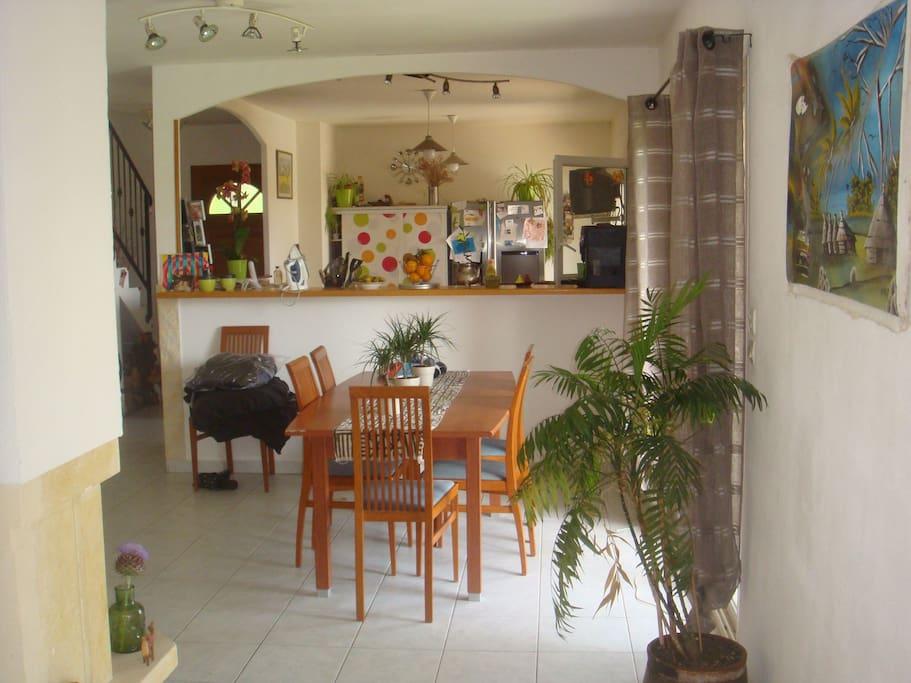 Superbe villa piscine montpellier sete 15 39 plages houses for Piscine center montpellier