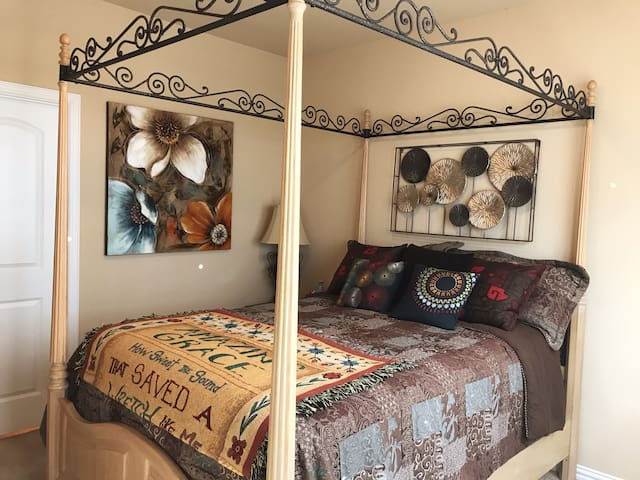 Traditional bedroom near DFW Airport