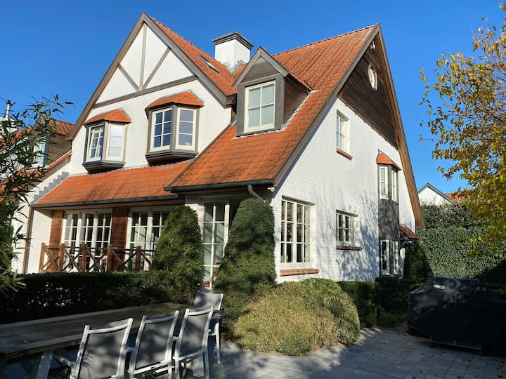 Jim's Knokke House