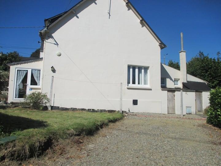 Rose Cottage, Belle Isle en Terre, Brittany France