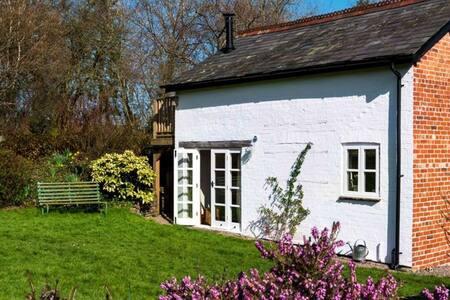 Finch Cottage