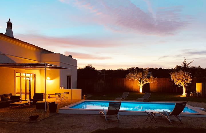 Beautiful house, 5 rooms, pool,  Eastern Algarve