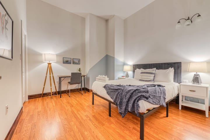 Sosuite | Splendid 2BR Loft + discounted Parking