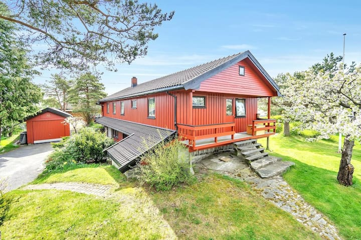 Åsveien, Grimstad