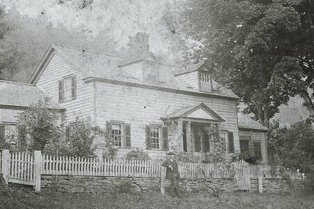 Historic Home close to Bethel Woods