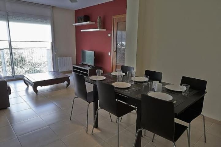 ALGUERA Apartments - 3 Bedroom LT Apartment 7 pax