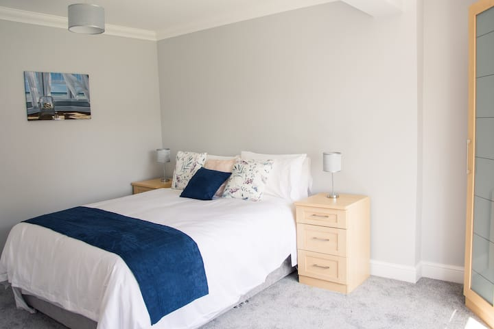 The Snug, a double room with private bathroom