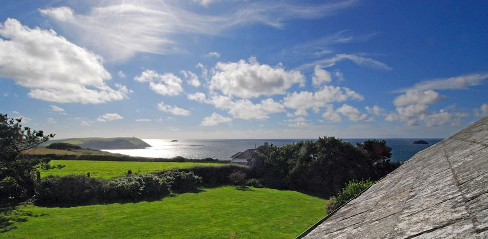 Seaside House with Atlantic Views - Polzeath - Bungaló