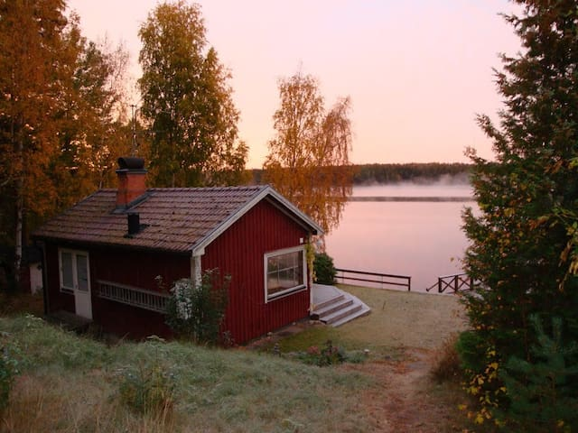 Rätseberget: lake views in the heart of Småland! - Hultsfred - Srub