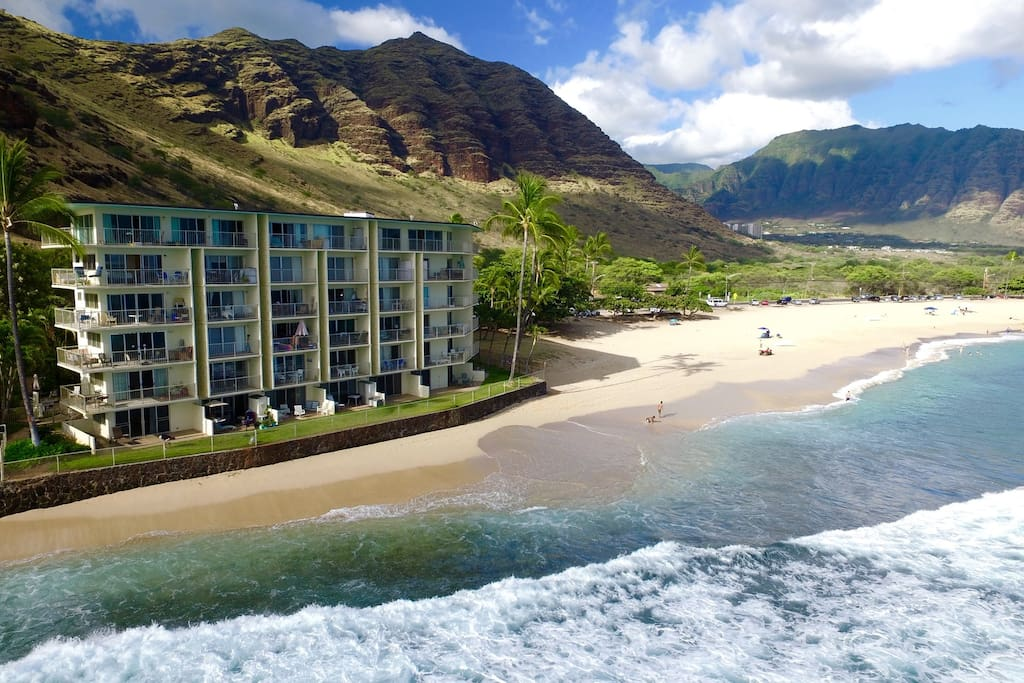 makaha shores from the ocean