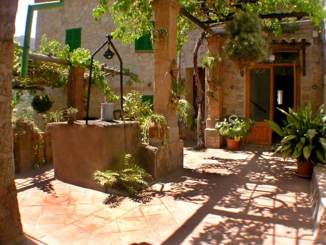 Hermosa casa en Deià - Deià  - Hus