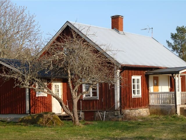 Långershult: Traditional Småland by private Lake - Hultsfred - Casa de campo