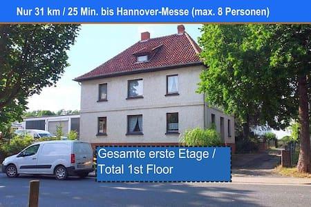 Komplette 1. Etage , 31 km bis Hannover-Messe - Schellerten - Apartament
