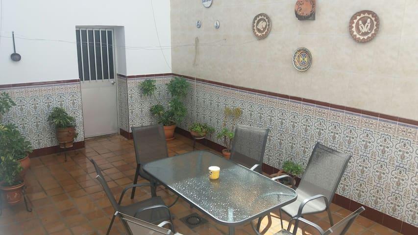 Casa cerca casco historico ,WIFI Y A/A