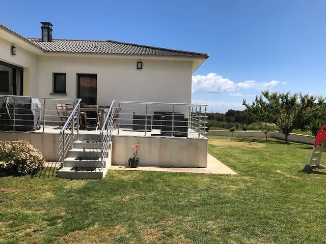 Belle Villa climatisé, clôturé pour 7 pers. Wifi
