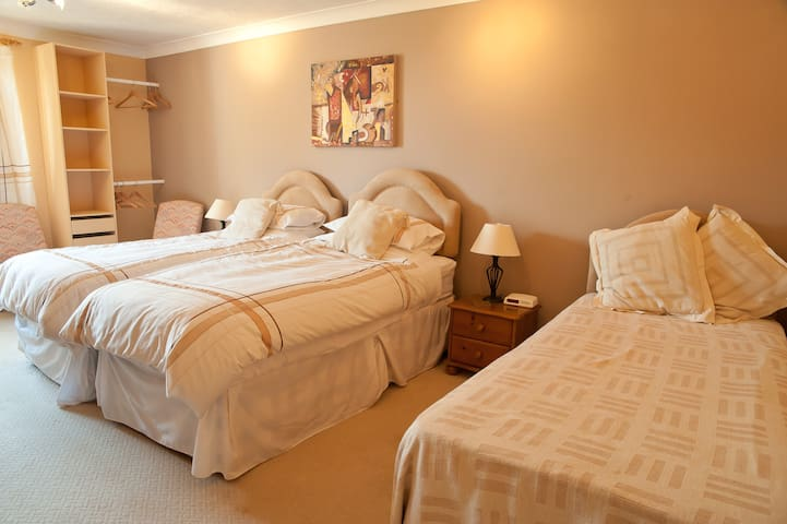 Family Room in Bed and Breakfast - Deddington - Bed & Breakfast