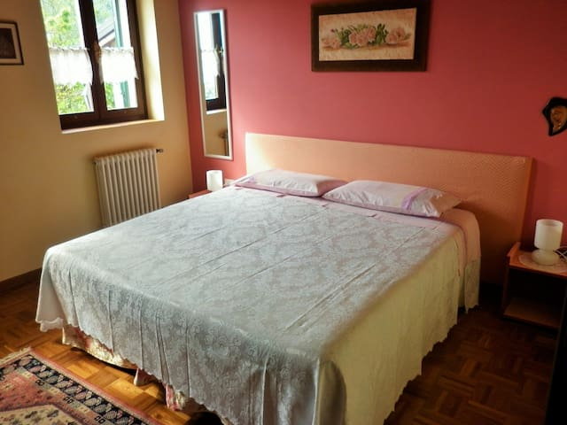Roses Room - House in the Wood Vicenza B&B - Isola Vicentina