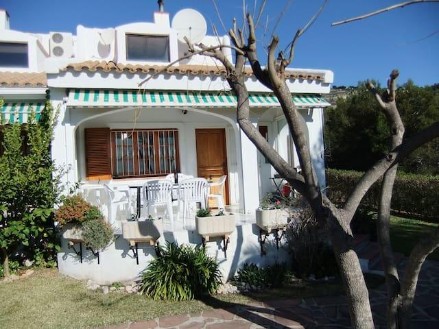 Newly refurbished villa 3 bedrooms
