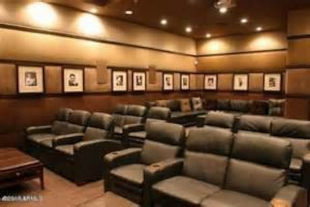Access to two theater rooms to gather with friends.  There is free popcorn included.