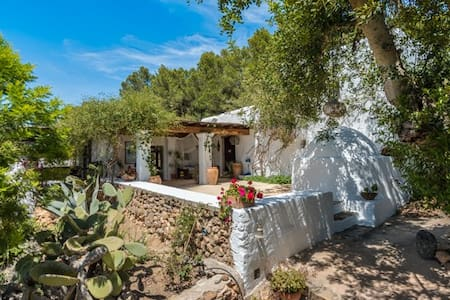 Villa Sun Door - Santa Eulària des Riu - Bed & Breakfast