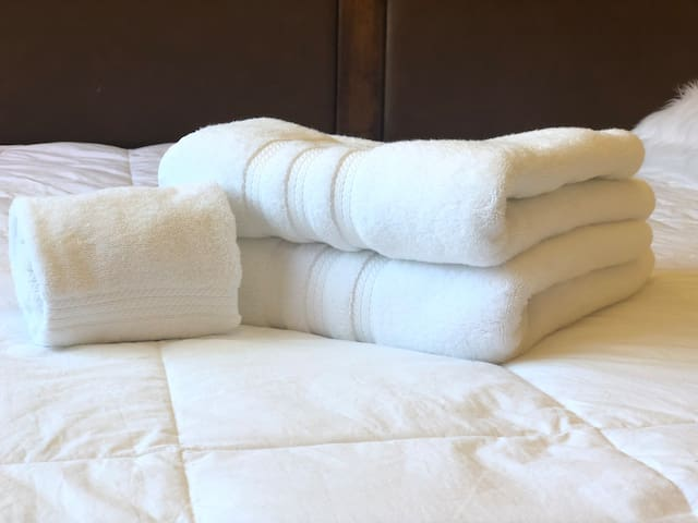 FLUFFY white luxurious towels to wrap yourself in!