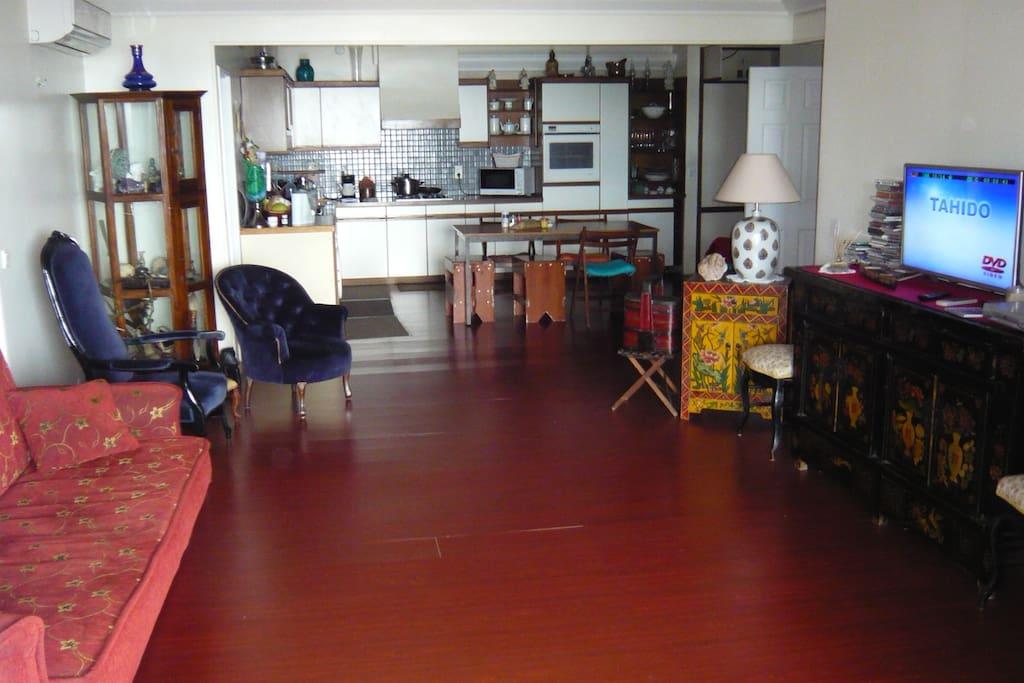Salon salle à manger.