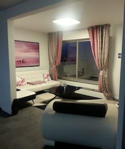 Appartement de 68m^2 avec terrasse - Caen