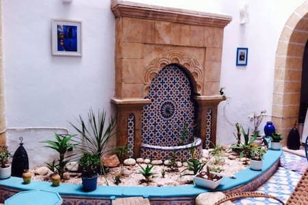 RIAD LALLA ZINA : Private Big room : 2 peoples - Bed & Breakfast
