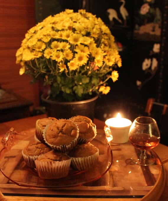 Pumpkin muffins in the dining room with a cognac