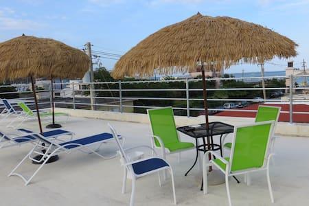 6 Bed Dormitory Close to Ferry - Fajardo - Bed & Breakfast