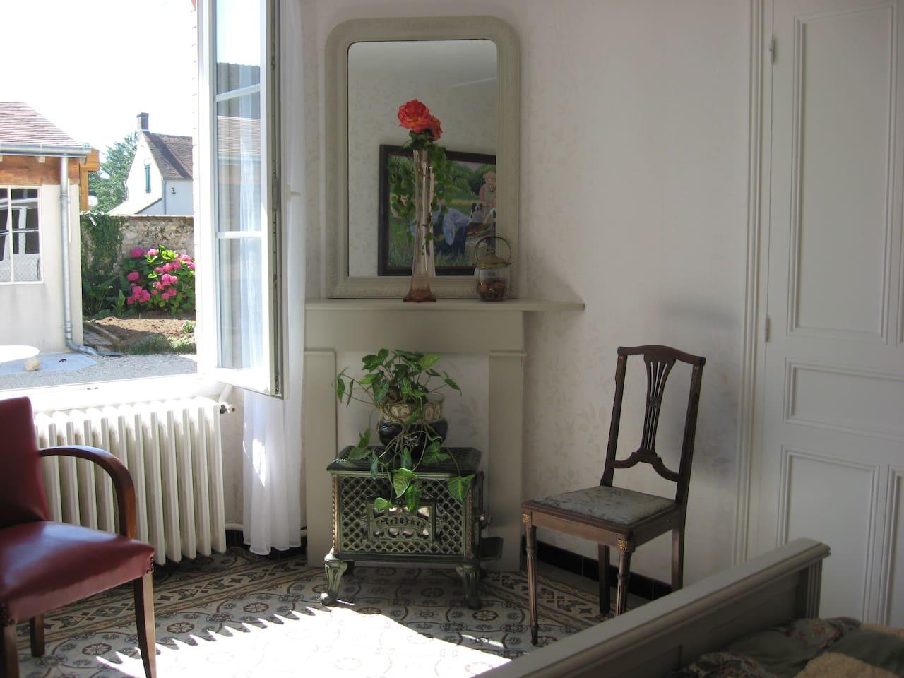 La Maison Bleue Issy Les Moulineaux maison bleue-cottage near blois - houses for rent in