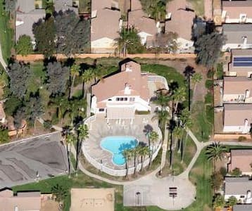 Nice Place With Pool/Spa close to 215 freeway - Haus