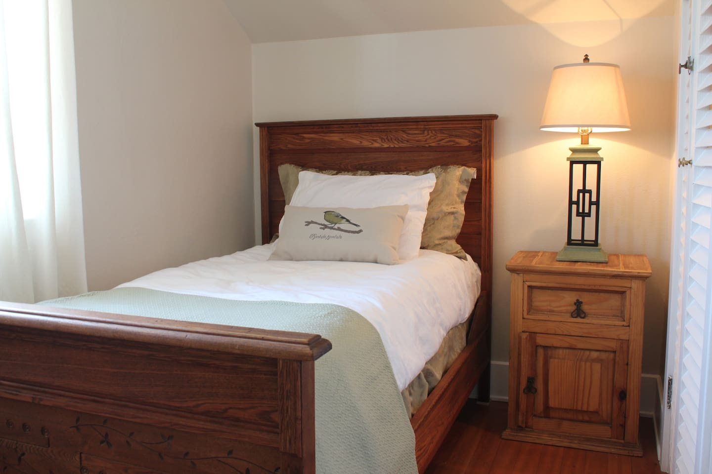 Small cozy single bed
