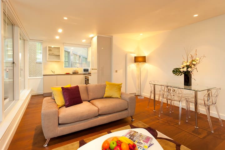 Covent Garden St Martins One Bedroom Apartment