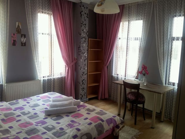 Private and cozy rooms in Beyoglu  - Istanbul - Bed & Breakfast
