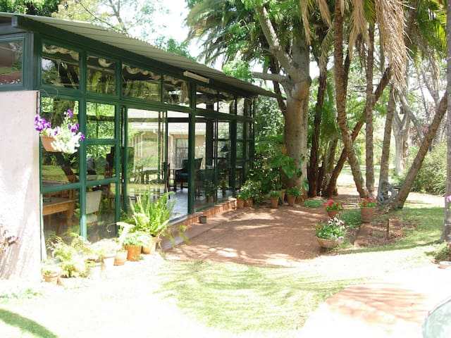 The Garden / Breakfast Room