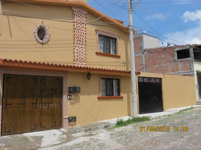"""Depto. 1 """"La Posada del Fraile"""" en SM de Allende."""