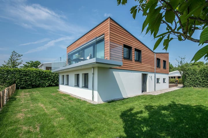 Unique villa with magnificent views across Veerse Meer lake