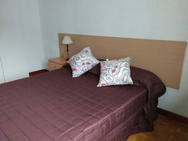Habitacion privada doble - Pamplona - Apartment