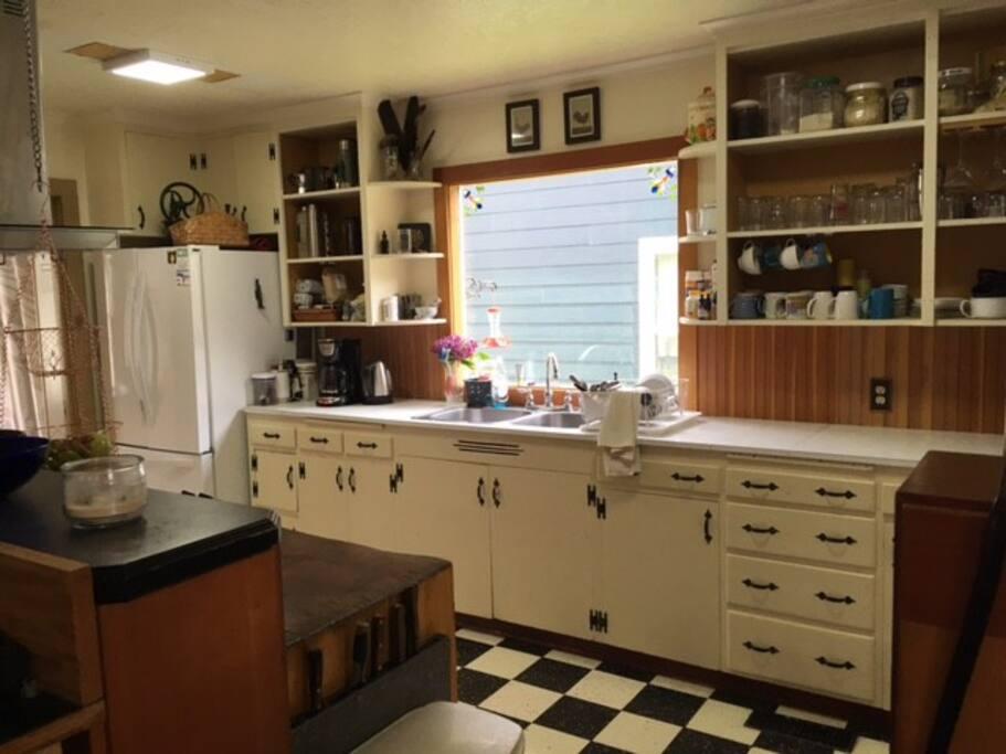 Very clean user friendly kitchen.