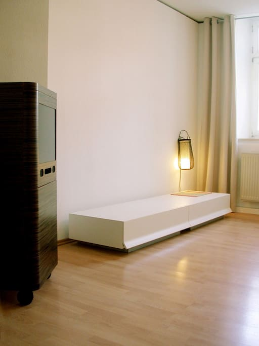 Sleeping room with double bed (160x200cm) and TV, closet + 1 extra single bed if needed
