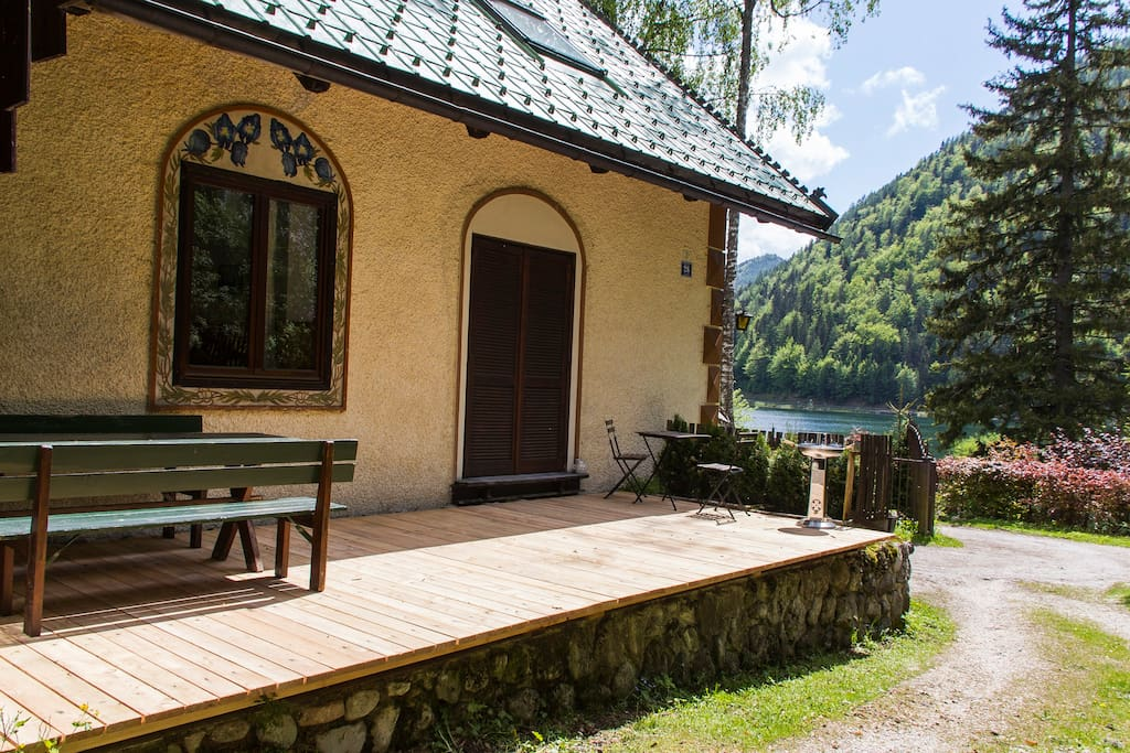 Terasse mit Seeblcik / Terrace wit lake view