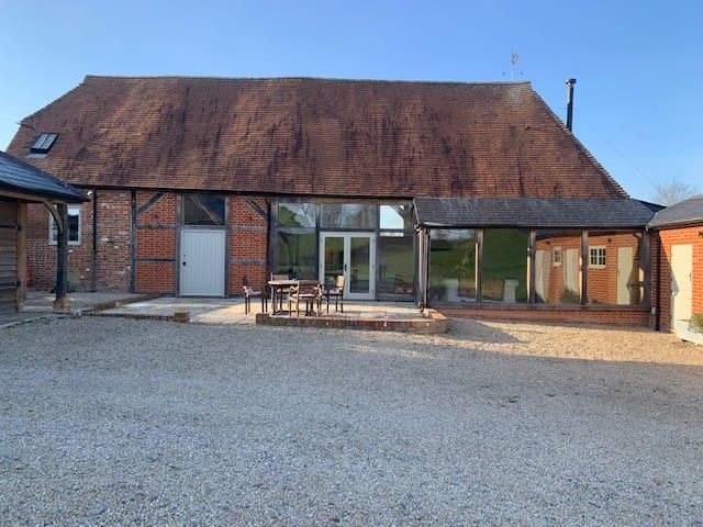 Large spacious converted barn sleeps 8