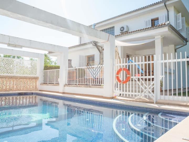 Sirenas, holiday villa with pool in Playas de Muro, Mallorca