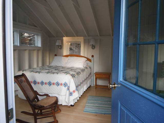 Cozy cottage in Camden Village - Camden - Bed & Breakfast