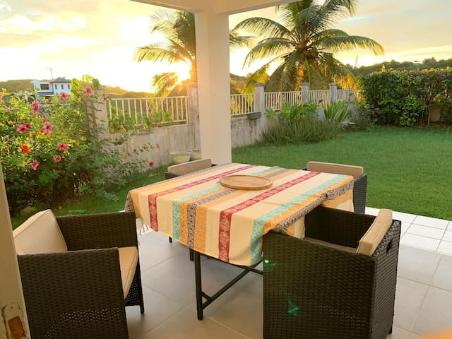 Magnifique Appartement avec terrasse et jardin