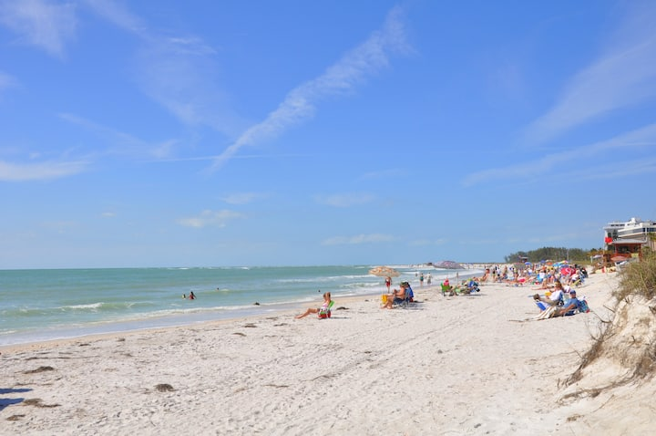 LIDO KEY: 1 BR apt walk to beach-St. Armands