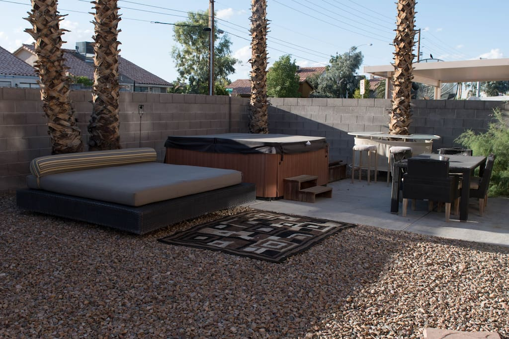 Ultimate vegas house sleeps 20 spa mancave 420 houses for Pool spa patio show las vegas