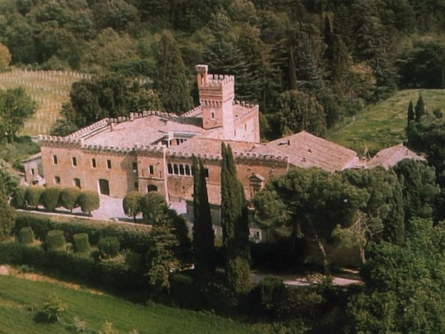 DreamCastleinAncientFarmOfTuscany.4Holiday&Events