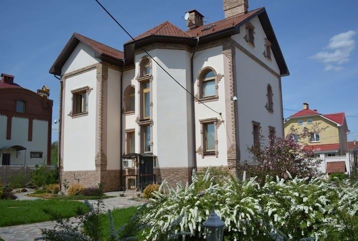 Шикарный Дом - Chkalovo - House